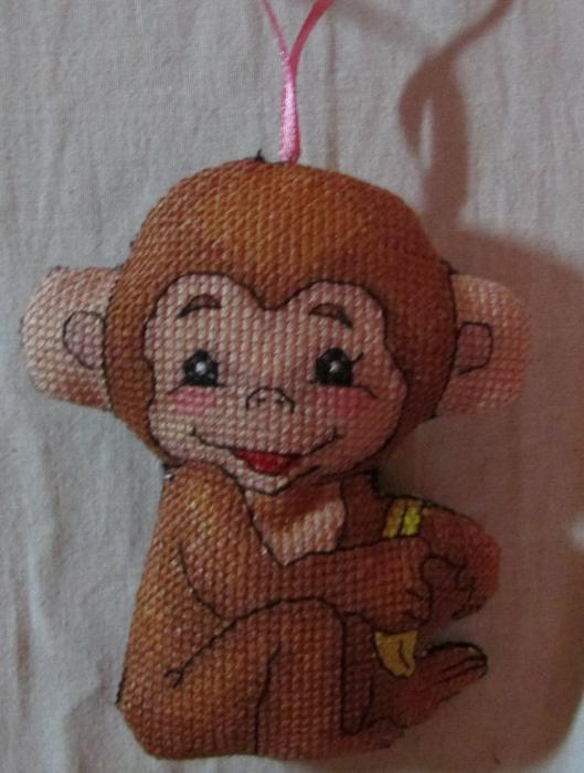 Вышила обезьянку!