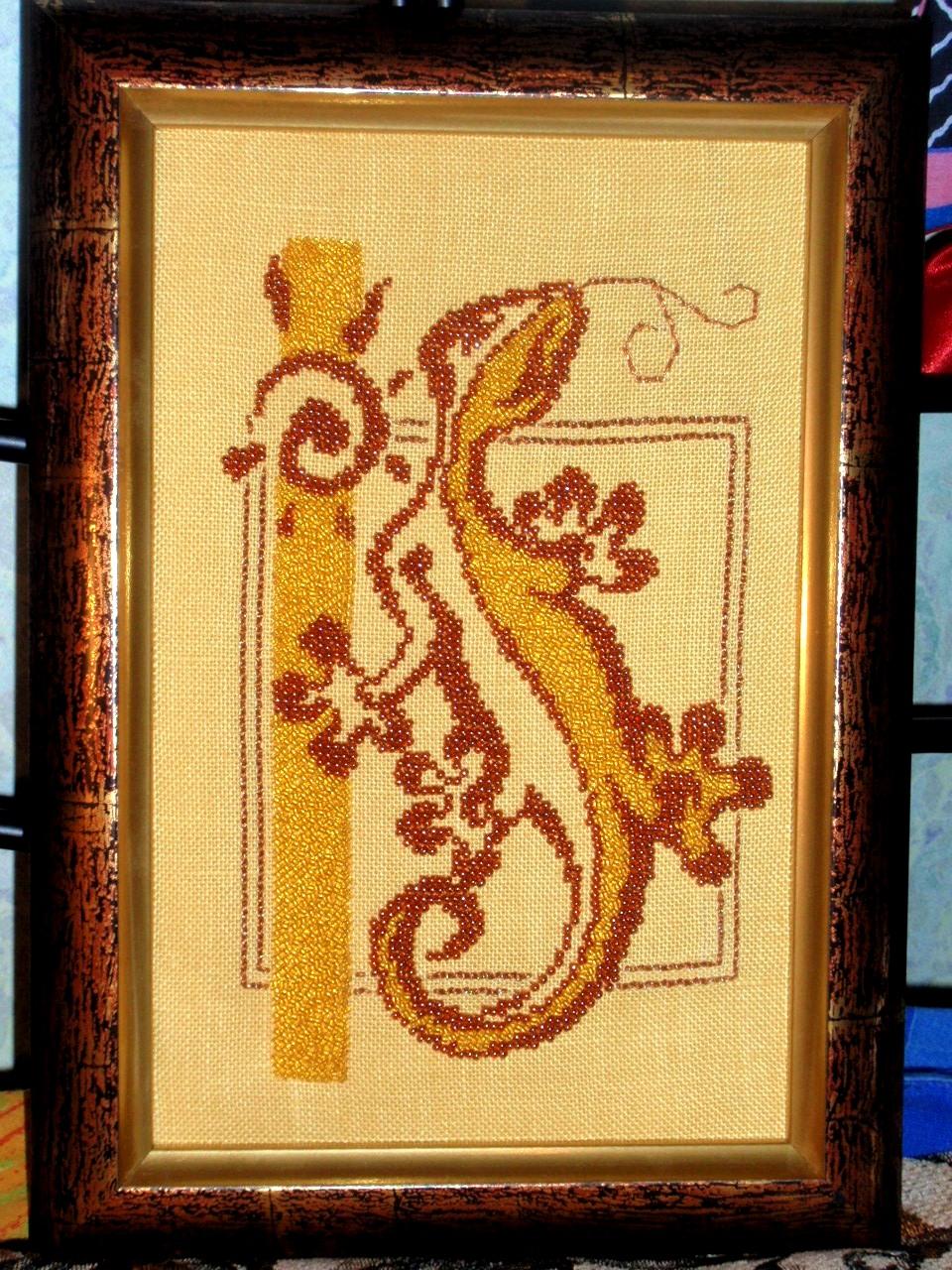 Вышивка на льняной канве