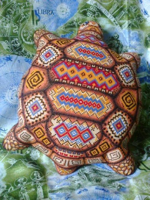 Подушка для вышивки черепаха