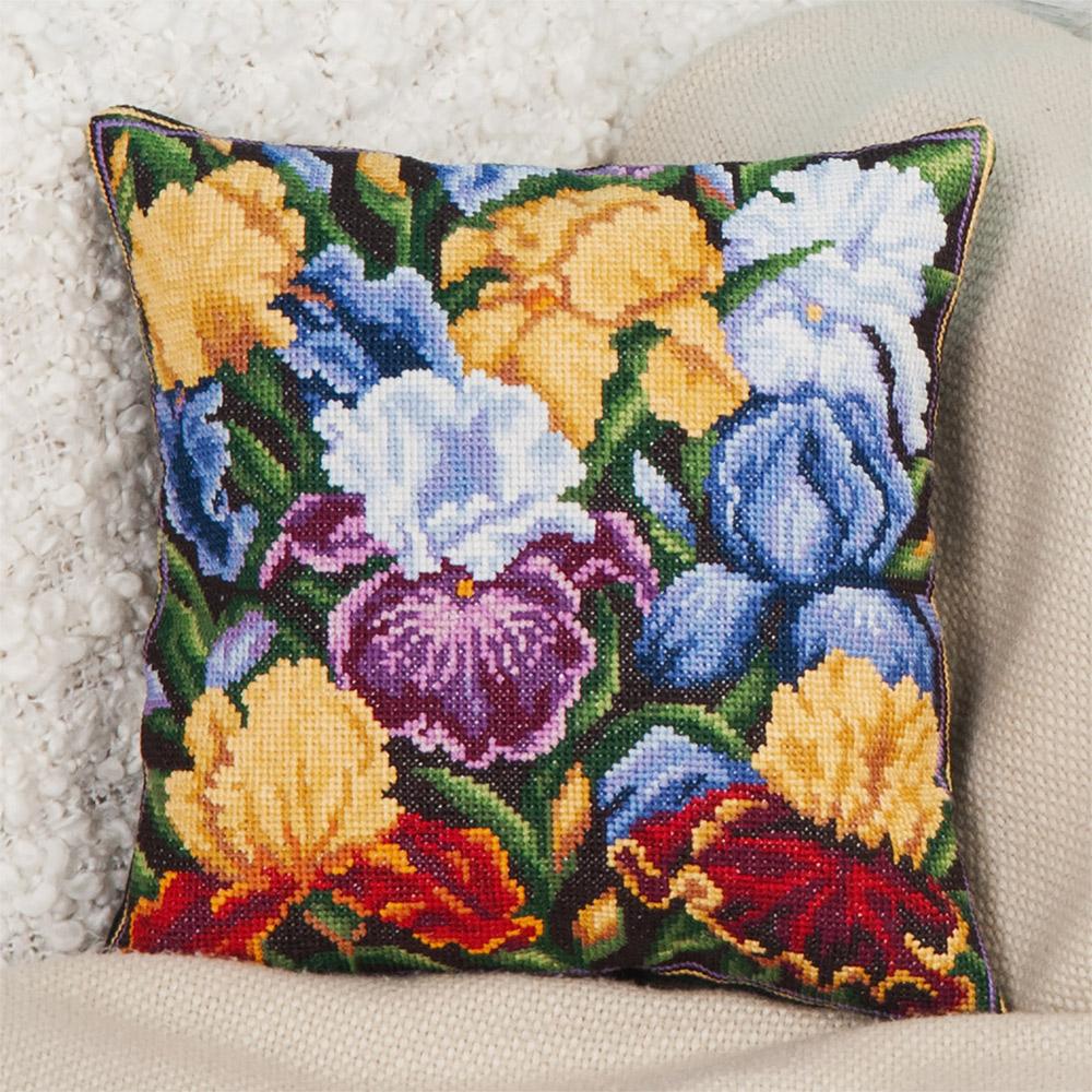 Вышивка ирисы подушки